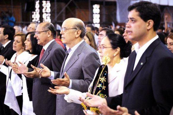 Serra participou nesta terça-feira de missa solene em Aparecida (SP)